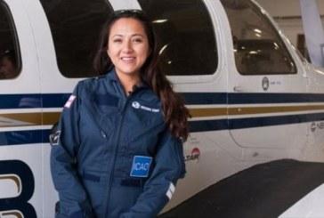 خلبان زن افغان در سفر به دور دنیا به کابل رسید +تصویر