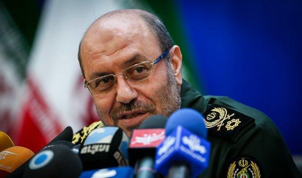 سردار دهقان : وزیر دفاع آمریکا به پزشک مراجعه کند