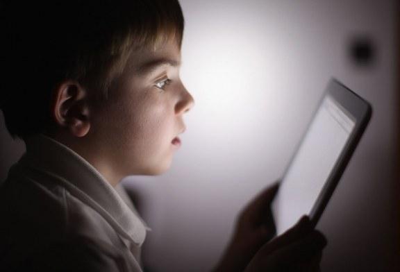 توصیهای به والدین قبل از تهیه «تلفن همراه» برای کودکانشان