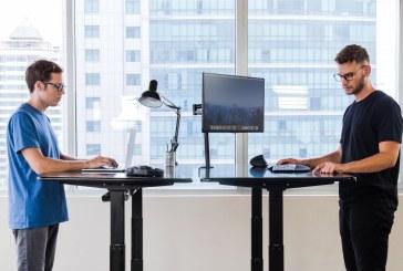 فواید استفاده از میز کار ایستاده چیست؟