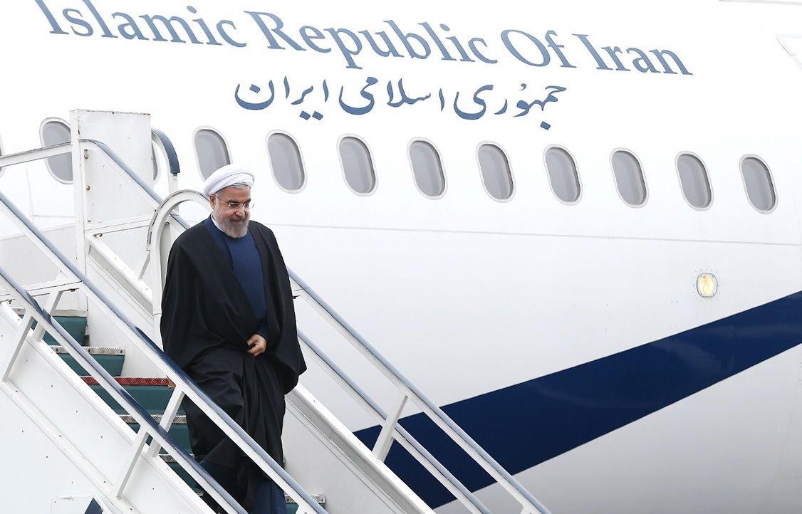 وزیر نفت، رییس جمهوری را در سفر به مناطق زلزلهزده همراهی میکند