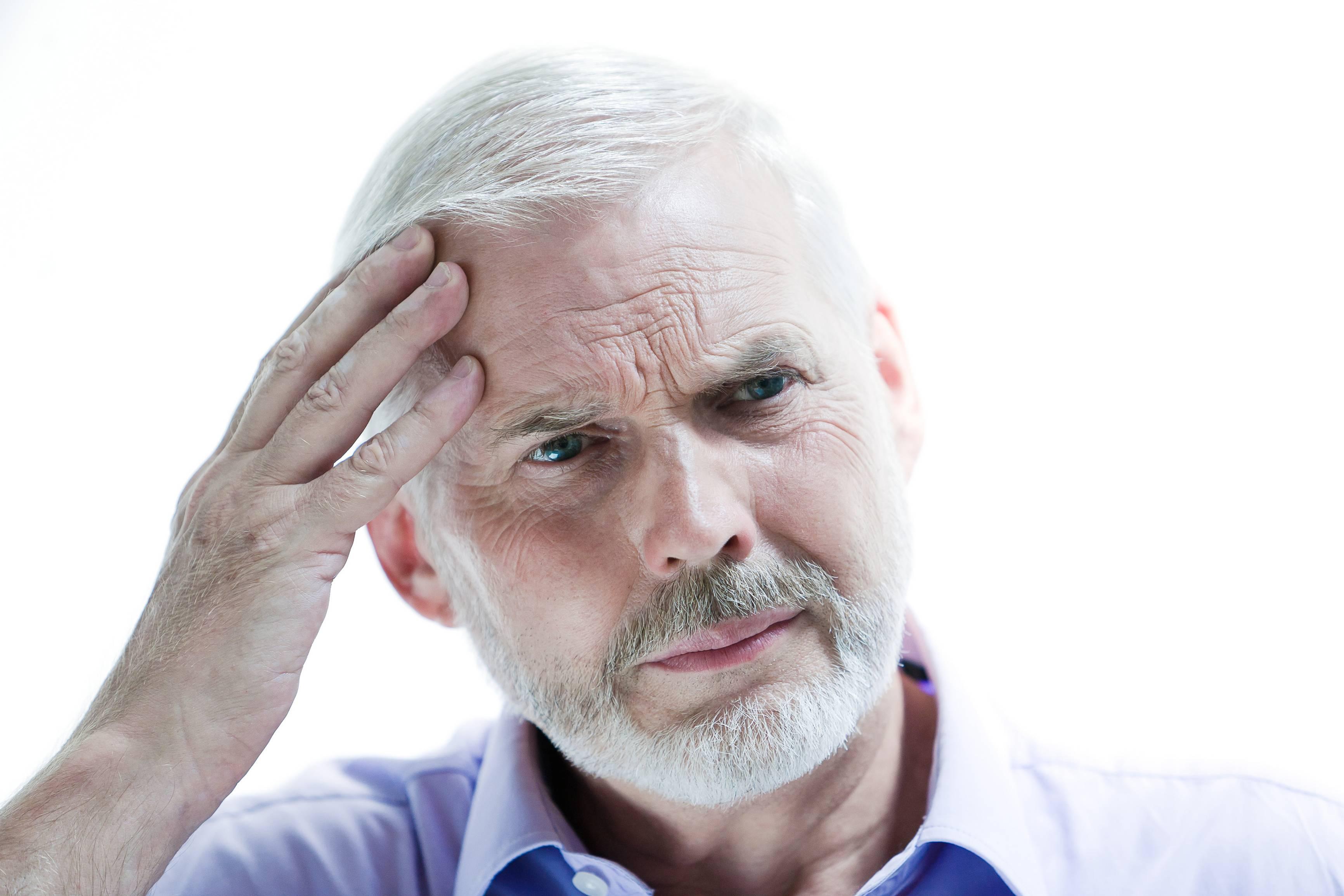 ارتباط ویژگیهای شخصیتی و علائم بیماری آلزایمر