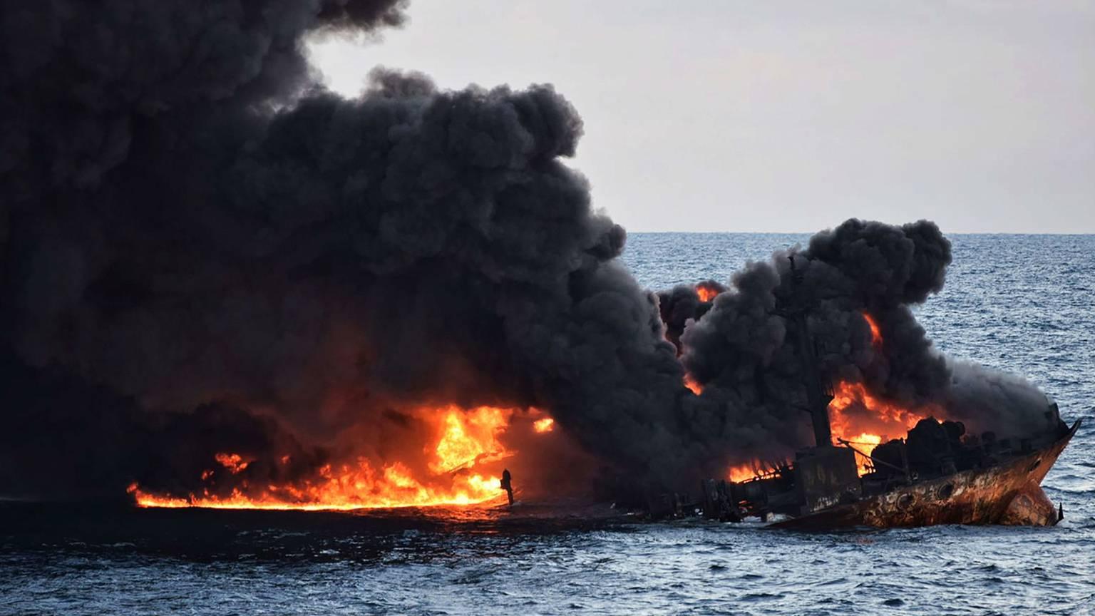 آخرین اخبار از وضعیت نفتکش سانچی از زبان رئیس کمیته پیگیری این سانحه