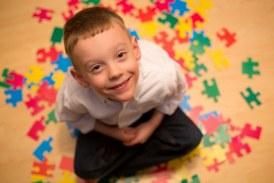 شایع ترین علایم اوتیسم را بشناسید