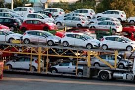 چه کسی پاسخگوی ضرر هنگفت مشتریان خودروهای وارداتی است؟