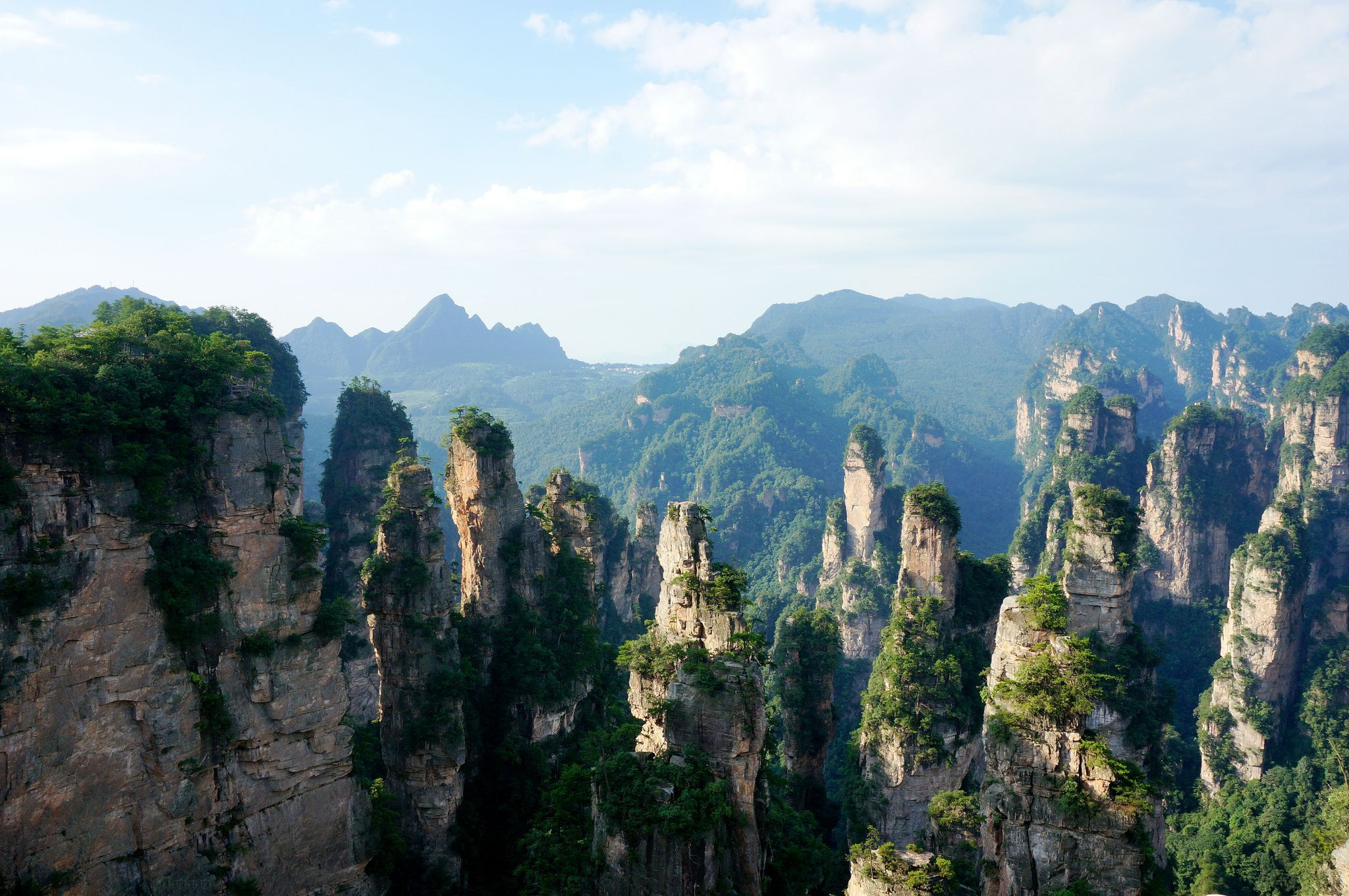 نمایی فوق العاده از پارک ملی Zhangjiajie در چین + ویدیو