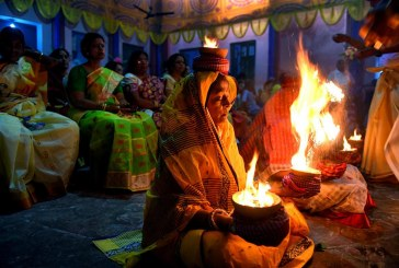 مراسم آیینی هندوها+تصویر