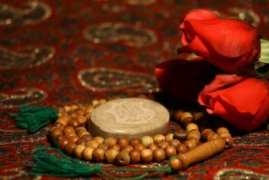خواندن نماز شب چه آثار و برکاتی برای انسان دارد؟