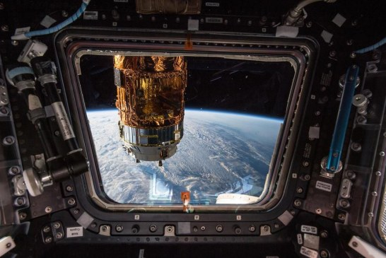 زمین را از پنجره ایستگاه فضایی ببینید + تصویر