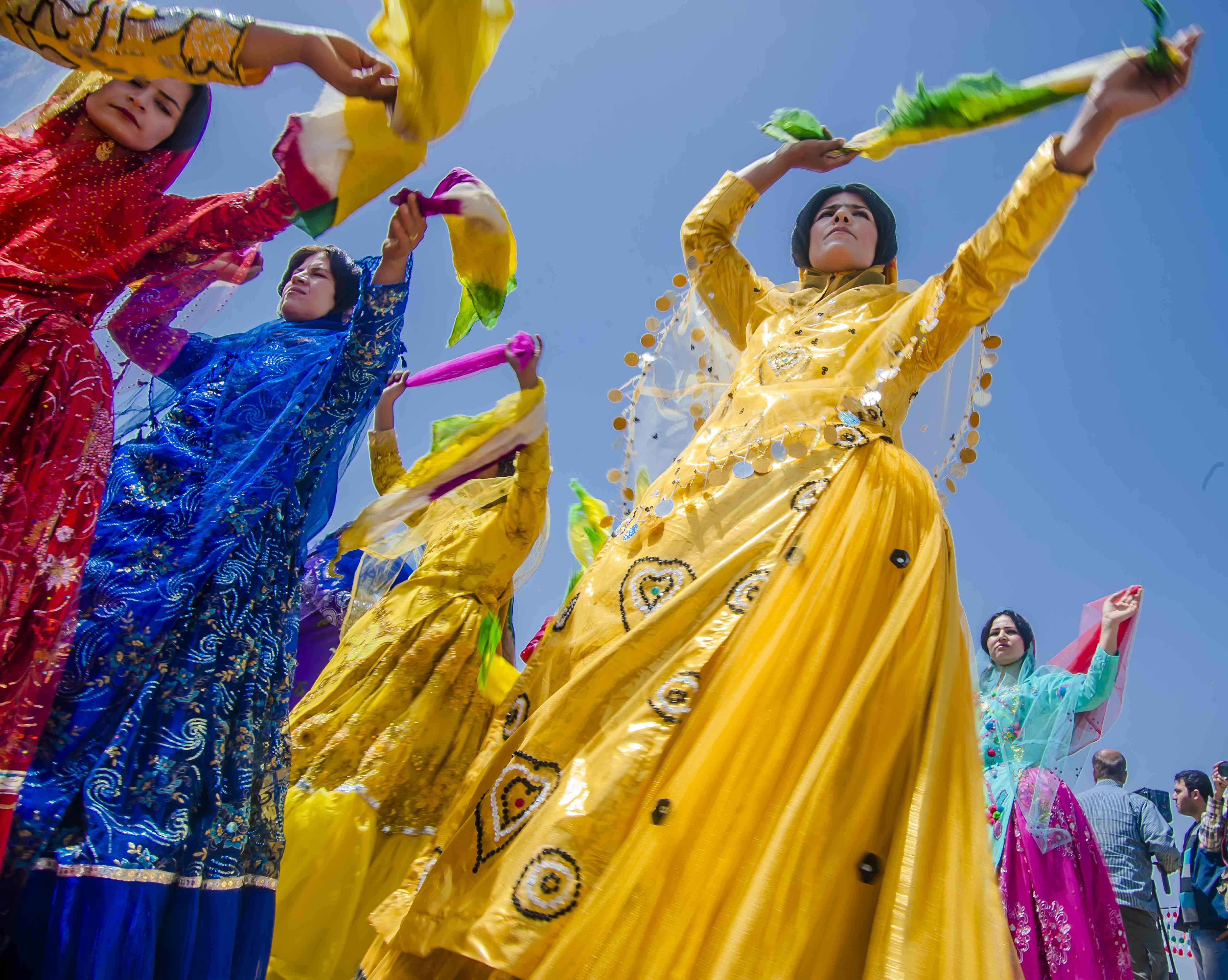 تعیین یک روز ملی به نام قومیتها یعنی ارج نهادن به فرهنگ اصیل ایرانی