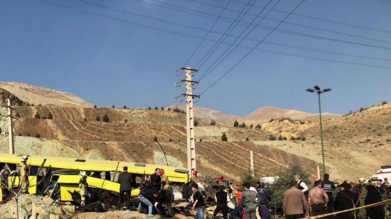 ۸ کشته و ۲۸ مجروح در حادثه واژگونی اتوبوس در دانشگاه علوم و تحقیقات