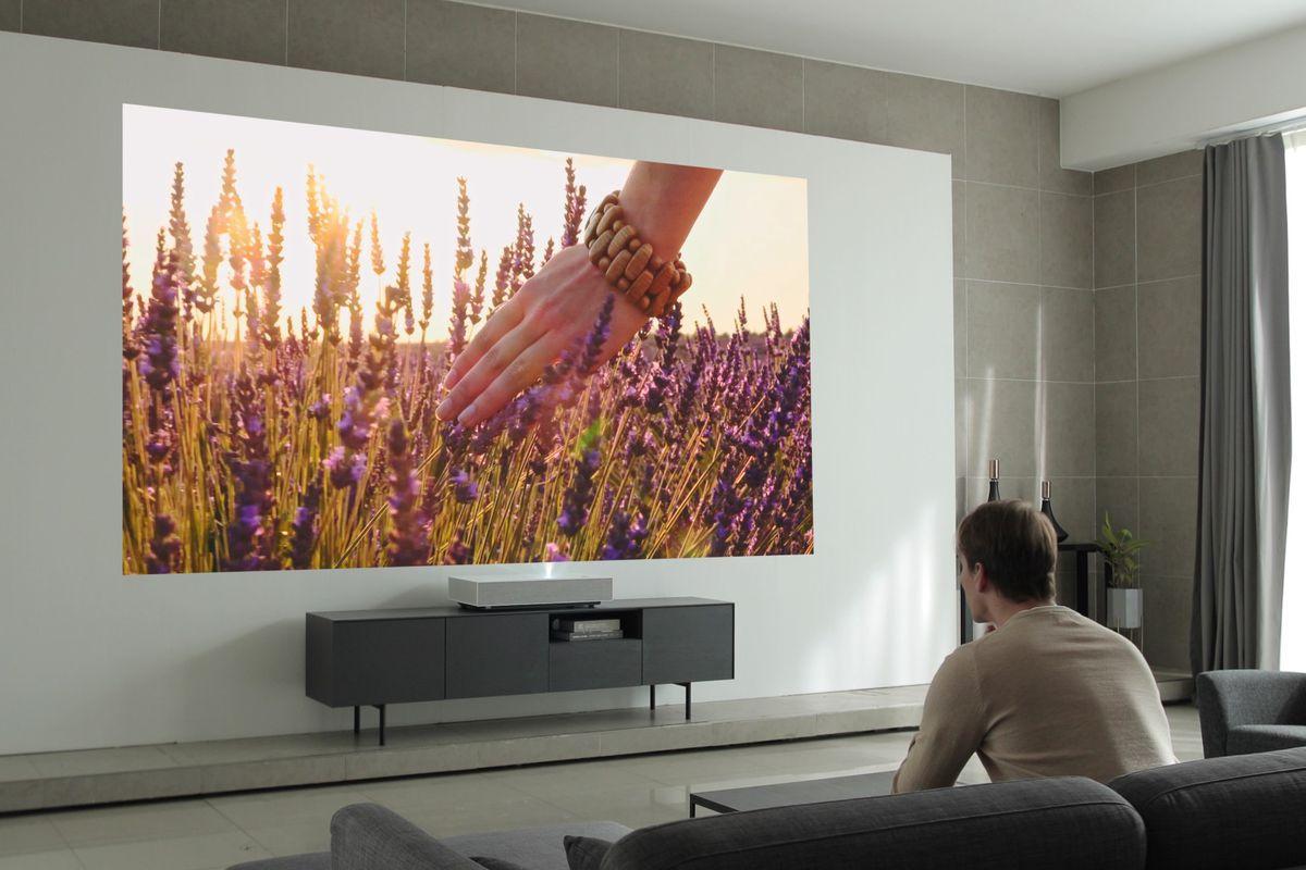 ویدیو پروژکتور هوشمند ال جی با قابلیت پخش تصاویر 4K معرفی شد