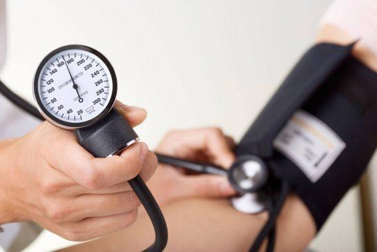 خطرات فشار خون را با دوری از این غذاها کاهش دهید