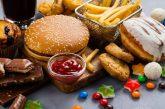 ۱۱ خوراکی که شما را چاق میکند