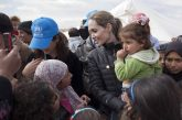 اقدام انسان دوستانه آنجلینا جولی به دلیل بسته بودن مدارس