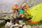 صعود دو کودک ۳ و ۷ ساله به قله سه هزار متری! + تصویر