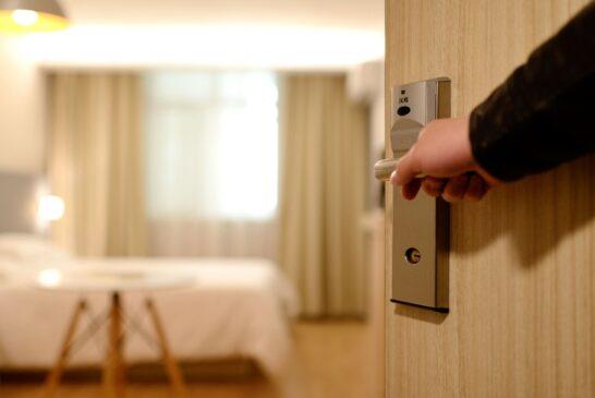 معنی اصطلاحات رایج هتلی چیست؟