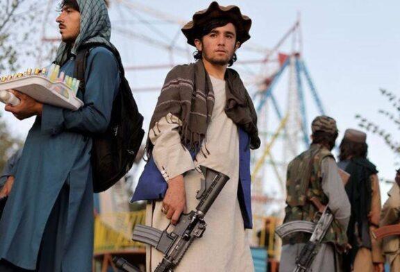 خوشگذرانی جنگجویان طالبان در شهربازی + تصویر